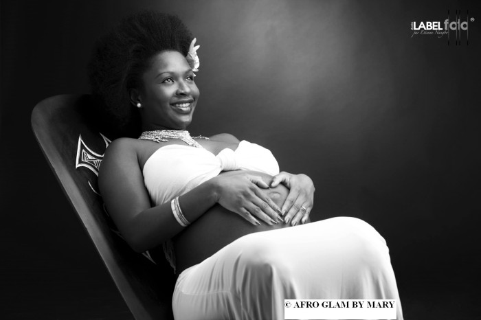 femmes-afro-enceinte